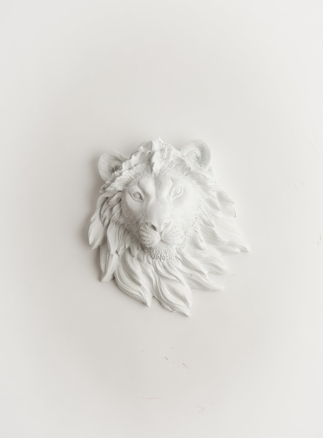 The Ramiro   Mini White Lion Head 540f7c884f3d6f6268000037