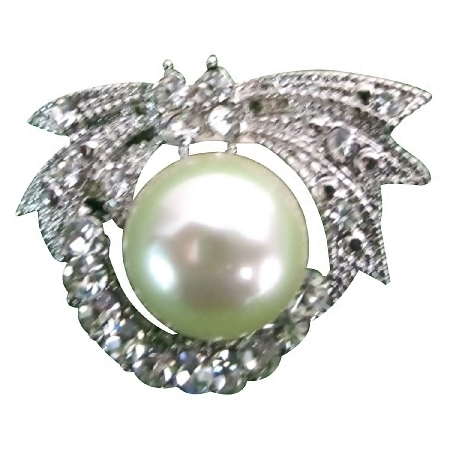 Cute Round Brooch Silver Plated Pearls At Center Pretty Purse Brooch (B607-001) photo