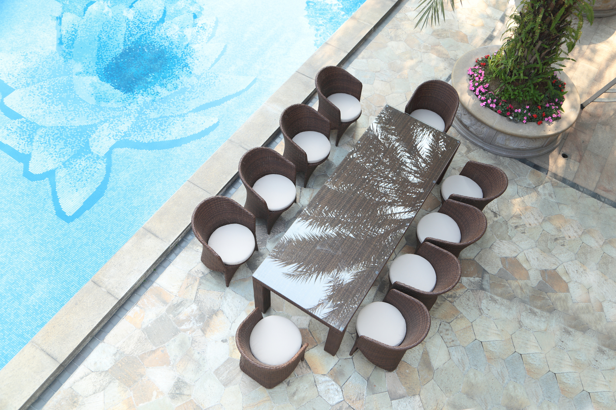 Palm 10-seat Outdoor Dining Set