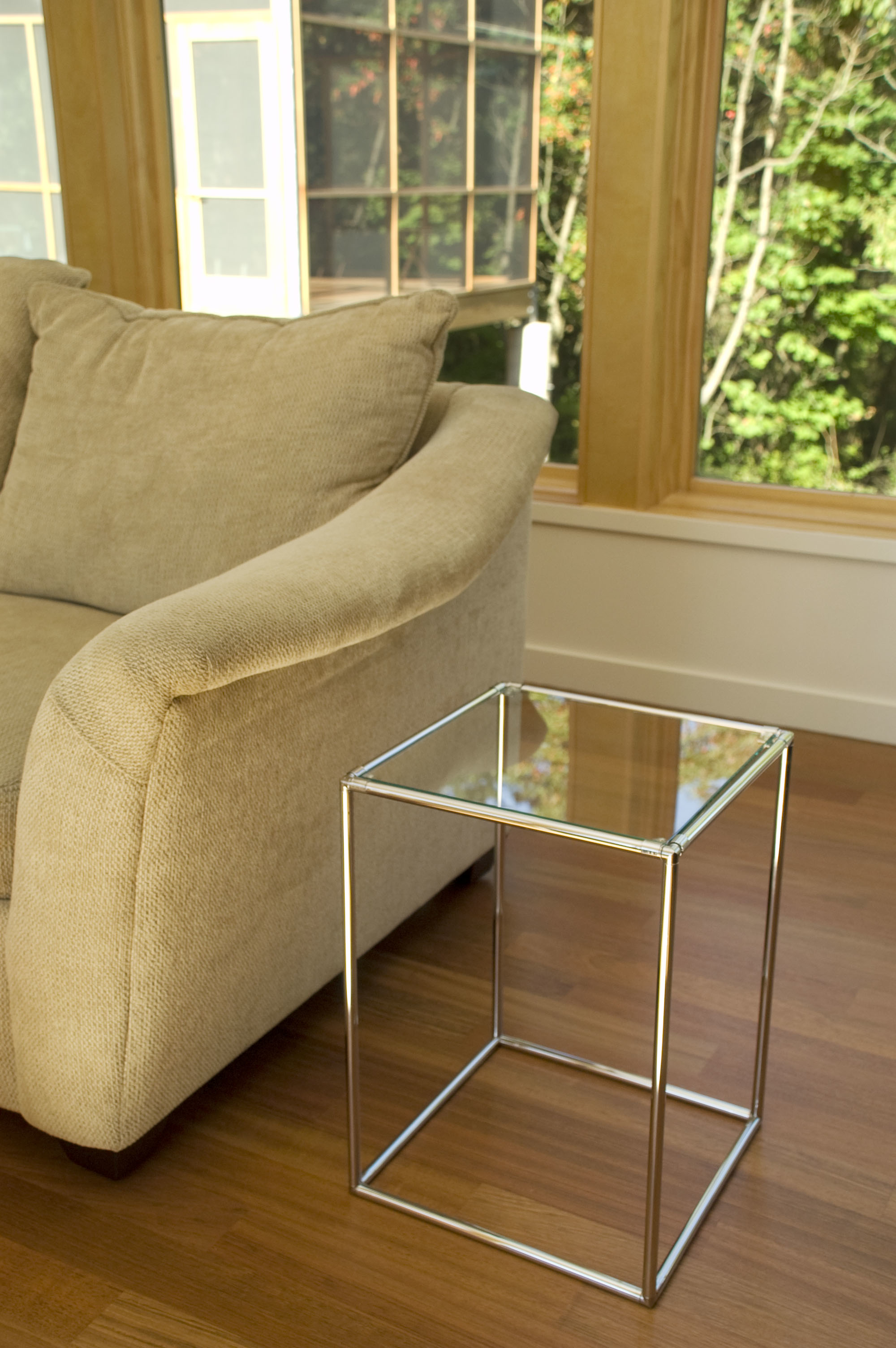 Bunch Table With Glass Top 59d683ecf486b7147a68b403