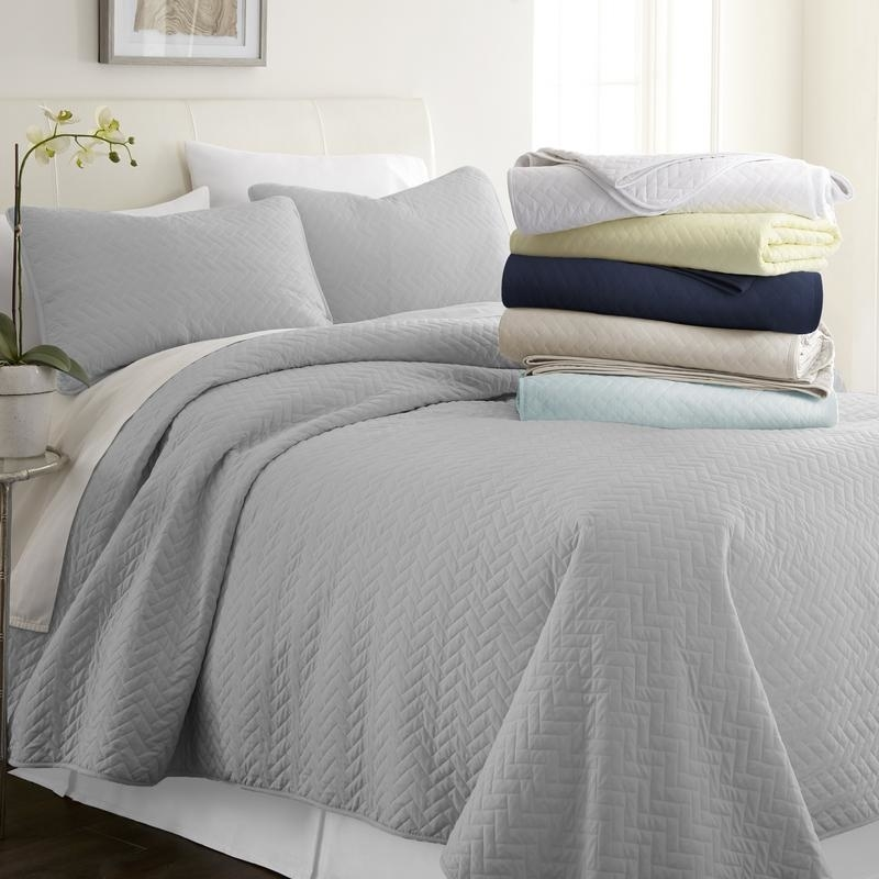 Soft Essentials Premium Herring Quilted 3 Piece Coverlet Set - Gray, King / Calking 5ad4cc98159102798e5ec2b2