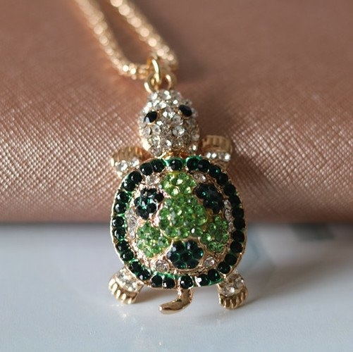 Novel Charming Crystal Green Turtle Necklace