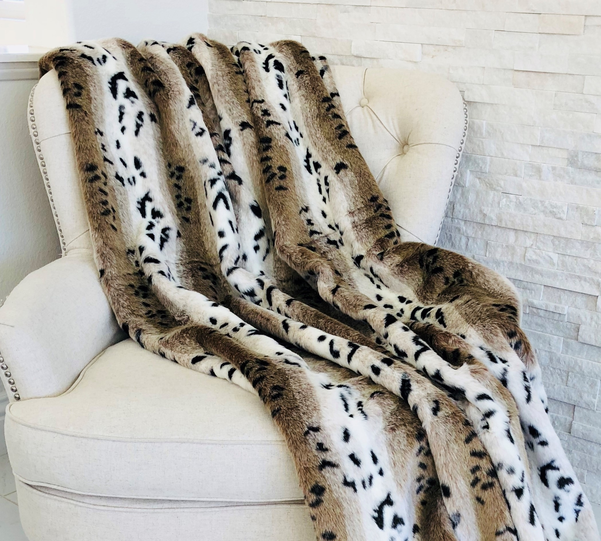 Plutus Snow Lynx Faux Fur Luxury Throw 5b1077851591026d37072bd3