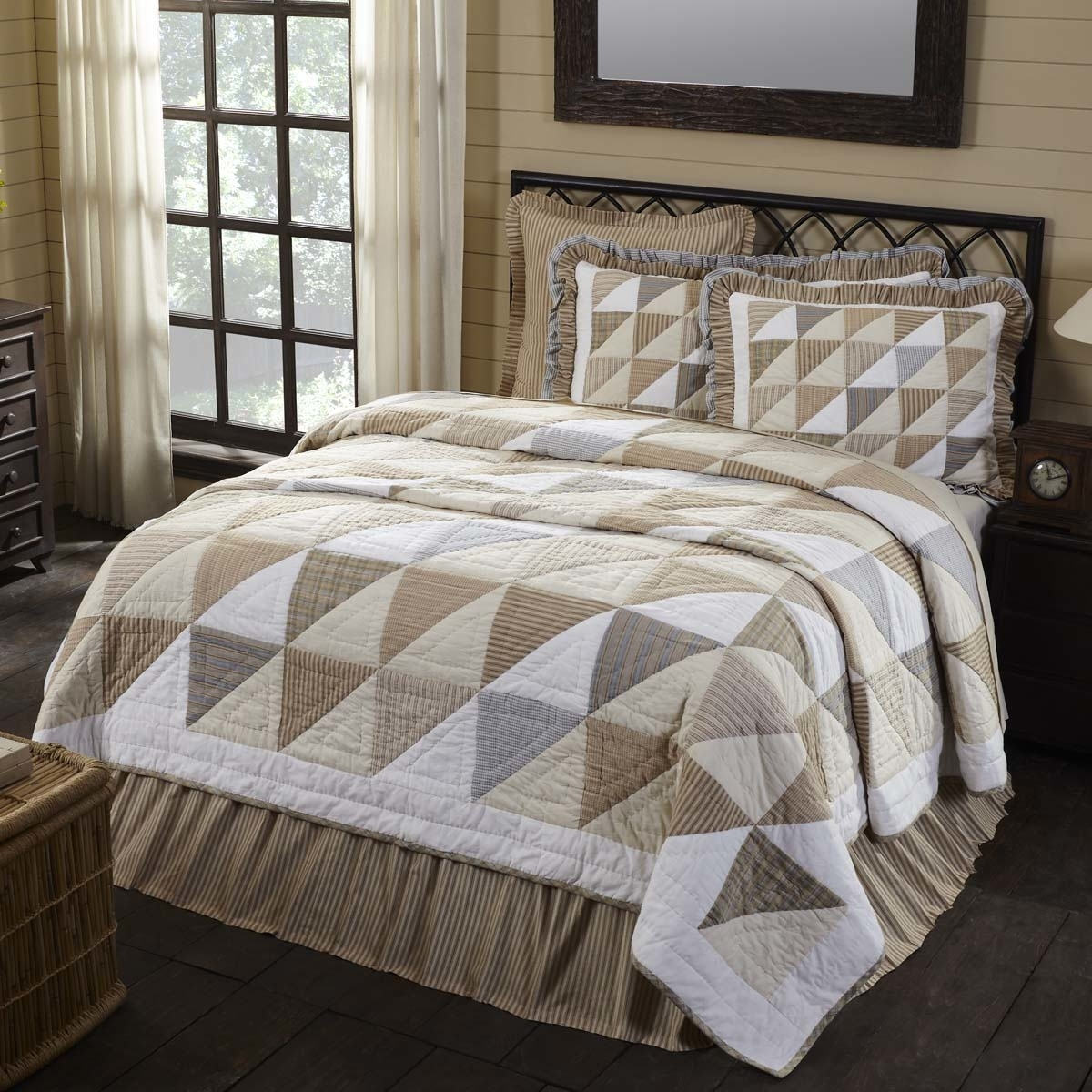 Farmhouse Bedding Joanna White Quilt