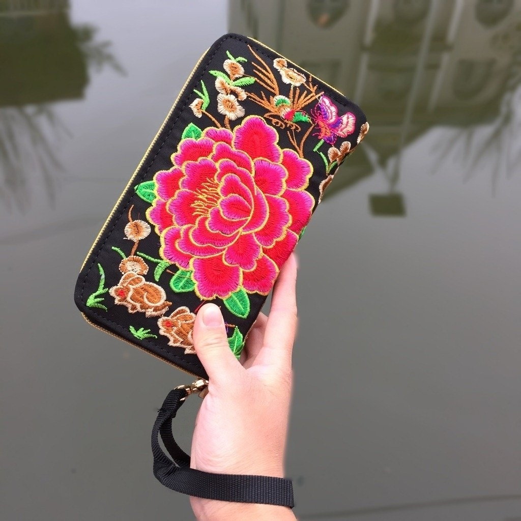 Yunnan ethnic embroidery double pull wallet purse photo