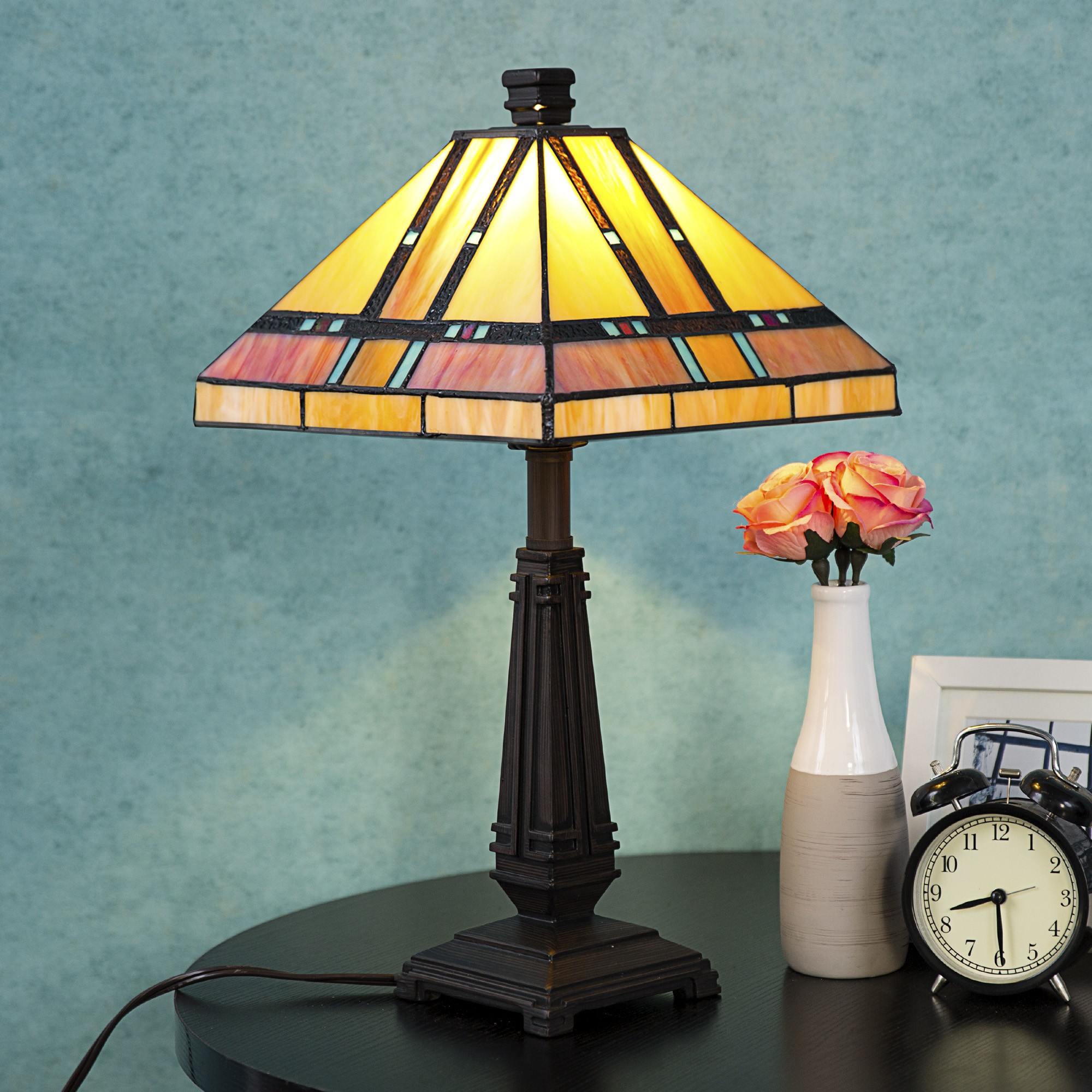 "Tiffany Style Egyptian Table Lamp with 14"" Lampshade"