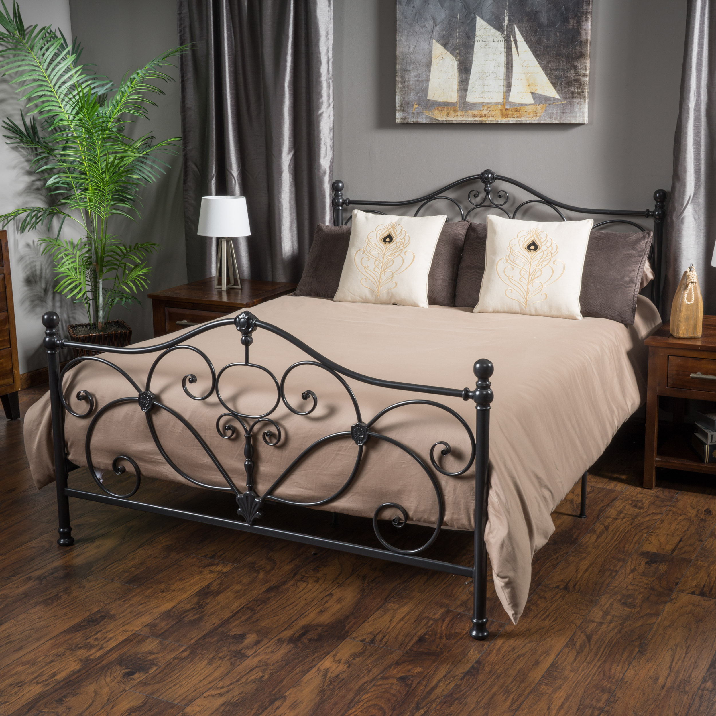San Luis Queen Charcoal Iron Bed