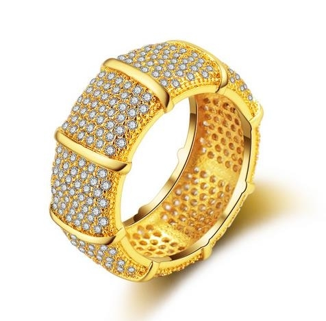New_gold-plated_diamond-studded_luxury_high-end_ring_2019_-_6