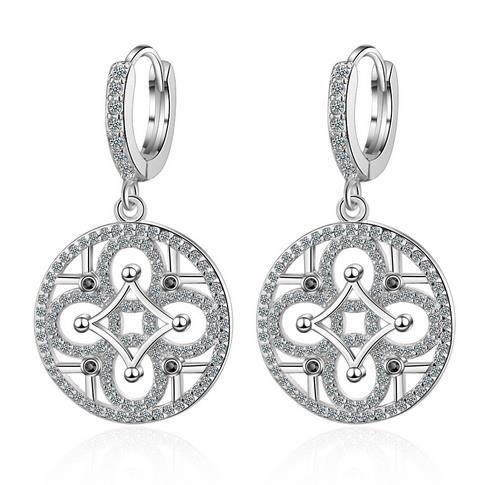 Empty_circle_earrings,_women's_all-round_fashion_short-style_diamond_earrings,