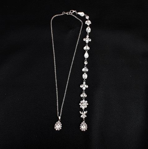 Simple_Body_Chain_with_Diamond_Insert_Long_Back_Chain_Necklace