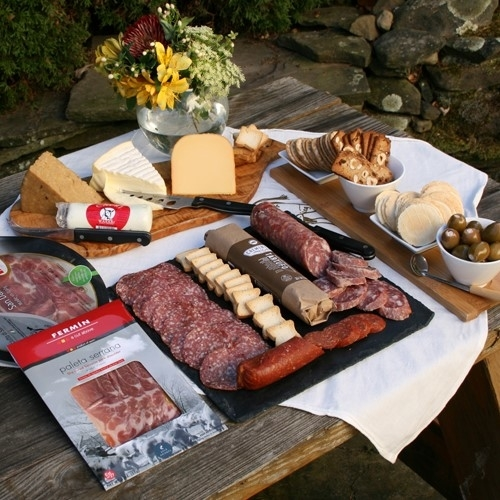 Grand_Assortment_of_Meat_and_Cheese_Favorites