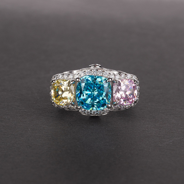 Sapphire_pink_diamond_ring_female_inlaid_yellow_diamond_green_diamond